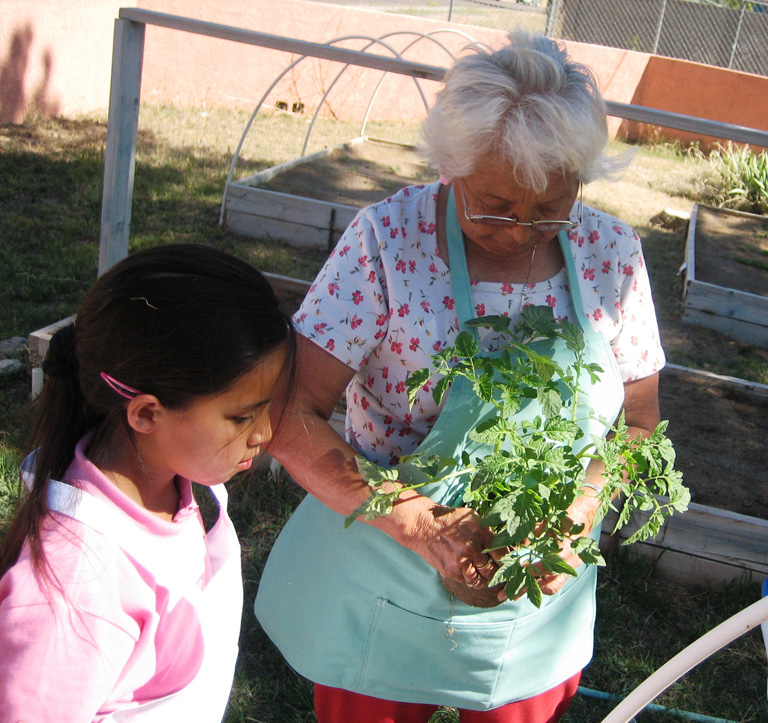 CIN Community Gardens   San Carlos   Ashlee Ganilla And Grandma ...